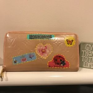 Louis Vuitton Vernis Rose Florentine Zippy Wallet
